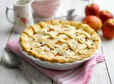 Apple, elderflower and almond pie
