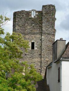 La tour et la collégiale de Saint-Yrieix-la-Perche