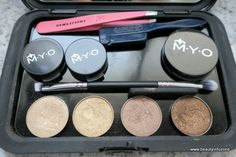 Oh mio M·Y·O – get your Cosmetic Clutch and Make Your Own