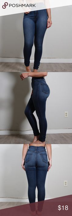 Dark High Waist Skinny Jeans Model: 5ft, 120lbs ... dark skinny jeans, super good stretch hugs you in the right places! High waisted, a bit washed out but I think it makes it look better. I have 2 of these jeans which is why I am selling one. Fashion Nova Jeans Skinny