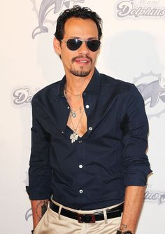 Marc Anthony. Love him and his voice!!!