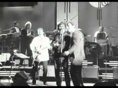▶ Roy Orbison Bruce Springsteen & Bonnie Raitt - Dream Baby.mpg - YouTube