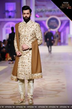 Ahsan's Menswear Groom Collection At Pantene Bridal Couture Week 2017 - PK Vogue Sherwani For Men Wedding, Wedding Dresses Men Indian, Sherwani Groom, Wedding Dress Men, Pakistani Wedding Outfits, Wedding Wear, Wedding Groom, Wedding Suits, Arab Men Fashion