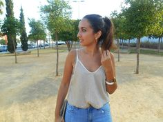Gold top, streetstyle, summer, girl, look, outfit, ideas, blogger, fashion