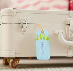 Add wheels to an old suitcase for immediate & stylish under the bed or under the wardrobe storage! Click for more unique #storage ideas!