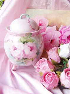 rosecottage.quenalbertini: Vintage pinks