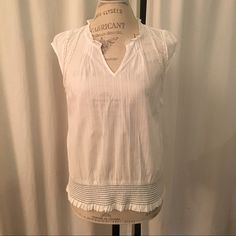 Anthropologie odille size 4 Very pretty cream top by odille size 4. Elastic band at bottom with contrast stitching. The band is not tight. Lays nicely at waistband. Anthropologie Tops Blouses