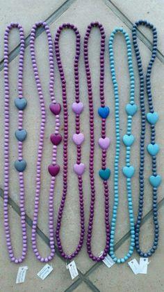 Krale mt klein ♡ Homemade Jewelry, Diy Jewelry, Beaded Jewelry, Jewelery, Jewelry Necklaces, Jewelry Making, Chunky Necklaces, Jewelry Ideas, Wooden Bead Necklaces