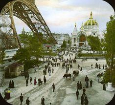 En 1900 William Henry Goodyear, le fils de l'inventeur de la vulcanisation, a voyagé à Paris avec le photographe Joseph Hawkes pour une visite de 6 semaines dédiée à l'Exposition Universelle, son but était de rapporter des images aux Etats Unis pour montrer l'exposition parisienne au grand public américain qui ne pouvait pas faire le …