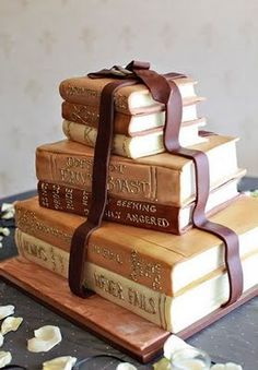 Super Bookworm Girl: Storybook Wedding Cake..or you know just a cake for everyday eating :-)