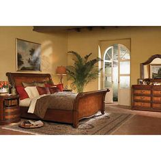 Vineyard 5-piece King Sleigh Bed Set