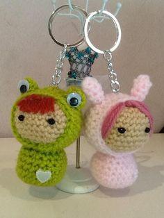 Ganchillo Crochet Keychain, Crochet Earrings, Loom Knitting Stitches, Step By Step Crochet, Crochet Handbags, Key Fobs, Doilies, Knit Crochet, Handmade