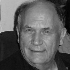 Biografía y obra de Ernst Schuberth  El profesor Dr. Ernst Schuberth estudió matemáticas, física, pedagogía y filosofía. Fue tutor de clase en la escuela Rudolf Steiner de Munich y Profesor de matemáticas y didáctica en Bielefeld. Fue cofundador de la Freie Hochschule für anthroposophische Pädagogik en Mannheim, donde hoy es docente en la formación de maestros.