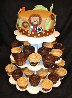 Safari Birthday Cake, great for boys birthday! Big cake for birthday boy and cupcakes for everyone else