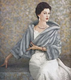 So, so tremendously elegant. #vintage #1950s #fashion #dress #evening