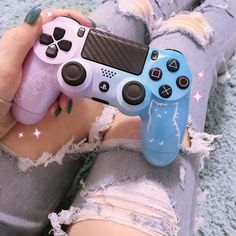 Image shared by ┳oကကⴁ Daⴁ. Find images and videos about girl, cute and pink on We Heart It - the app to get lost in what you love. Gamer Setup, Gaming Room Setup, Gaming Desk, Computer Desks, Desk Setup, Gaming Rooms, Ps4 Controller Custom, Video Game Rooms, Ps4 Video Games