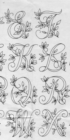 Diy Discover Ecco qui un bellissimo alfabet Embroidery Alphabet Embroidery Monogram Embroidery Stitches Embroidery Designs Vintage Embroidery Hand Lettering Fonts Lettering Styles Creative Lettering Typography Etsy Embroidery, Embroidery Alphabet, Embroidery Stitches Tutorial, Simple Embroidery, Embroidery Monogram, Paper Embroidery, Hand Embroidery Designs, Embroidery Techniques, Tattoo Lettering Fonts