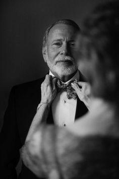 752159b9f61 El padre de la novia momentos antes de la boda. Fotos De Compromiso