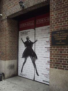 Ingresso di uno dei tanti teatri di Broadway