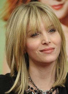 Hairstyles for women over 40 years old #women'sfashion40yearolds #HairstylesForWomenWithBangs