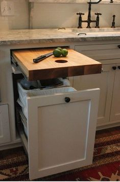 Planning a Kitchen Renovation? Consider these cool storage hacks. Pull-out Cutting board over a trashcan. Planning a Kitchen Renovation? Consider these cool storage hacks. Pull-out Cutting board over a trashcan. Layout Design, Küchen Design, Plan Design, Design Ideas, Interior Design, Diy Kitchen, Kitchen Decor, Kitchen Stuff, Kitchen Ideas