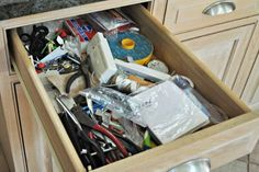27 Home Organization Ideas - Makeovers for House Organization - House Beautiful Linen Closet Organization, Home Organization Hacks, Kitchen Organization, Organizing Life, Pan Storage, White Appliances, Declutter Your Home, House Cleaning Tips, Junk Drawer
