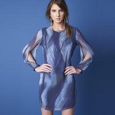 Os vestidos de outras coleções que você sempre quis agora com até 70% off na e-store. [Acesse a e-store pelo link na bio e shop now!] #EstiloSacada