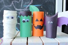 rollos-de-papel-higienico-halloween24 Deco Haloween, Dulceros Halloween, Halloween Infantil, Adornos Halloween, Manualidades Halloween, Halloween Treats, Halloween Decorations, Fall Crafts, Diy And Crafts