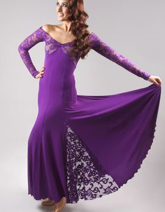 My smooth dress will have lace insets in the skirt just like this!  :)