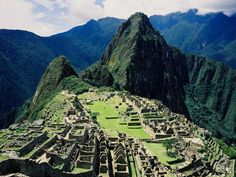 The Inca City of Machu Picchu (Peru) Machu Picchu, Places To Travel, Places To See, Mysteries Of The World, Les Continents, Parc National, Lost City, South America Travel, Dream Vacations