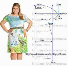 PASSO A PASSO MOLDE DE VESTIDO Corte um retângulo de tecido com a altura e largura que pretende para as costas e outro para as frentes. Dobre ao meio o re