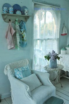 Aiken House & Gardens: Vintage Style in the Boathouse Style Shabby Chic, Romantic Shabby Chic, Shabby Chic Cottage, Cozy Cottage, Shabby Chic Homes, Shabby Chic Decor, Cozy Corner, My Dream Home, Decoration
