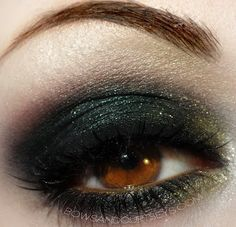Black with a Sprinkle of Gold Eyeshadow Form to Make Dark Desires.