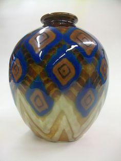 vase ovoïde de Camille Tharaud (1878-1956), porcelaine de Limoges, France XX°