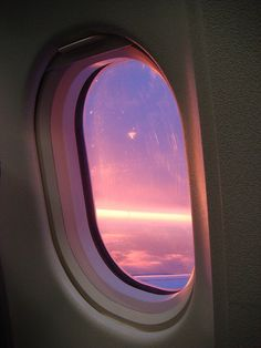 BMI   Flickr – Condivisione di foto! Sky Aesthetic, Travel Aesthetic, Airplane Window View, Male Yandere, Plane Photography, Pretty Sky, Through The Window, Photo Wall Collage, Travel Photos