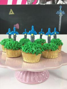 Zelda Masterschwert Cupcakes / Zelda Mastersword cupcakes / The Legend of Zelda cupcakes / Nerdy backen