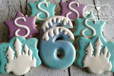 One+Dozen+12+Frozen+Inspired+Birthday+Decorated+by+DolceDesserts,+$38.00