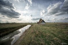 https://flic.kr/p/MXmUKc | St Thomas à Becket Church, Fairfield, Romney Marsh 6 By David Stoddart | St Thomas à Becket Church, Fairfield, Romney Marsh, Kent. A beautiful little church full of history with stunning views inside and out! All images Sony A7Rii, Voigtlander hyper wide 10mm lens, F9, iso 100. I love what this lens does to the skies