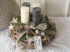 Lavishly designed natural advent wreath Merry Christmas The brown-gray limed vine wreath was designed with candles of different colors. Christmas Advent Wreath, Diy Christmas Decorations For Home, Christmas Crafts To Make, Christmas Centerpieces, Christmas Activities, Christmas Art, Simple Christmas, Design, Big Big
