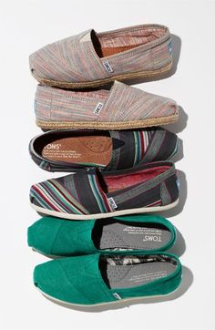 Toms shoes the most fashionable shoes.