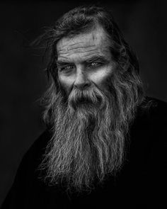 Viking Beard Tips and Styles (Part 1 of - Viking Beard Tips and Styles (Part 1 of The Vikings are famous not only for their outstanding wa - Old Man Portrait, Dark Portrait, Street Portrait, Black And White Portraits, Black And White Photography, Black White Photos, Foto Face, Beard Tips, Old Faces
