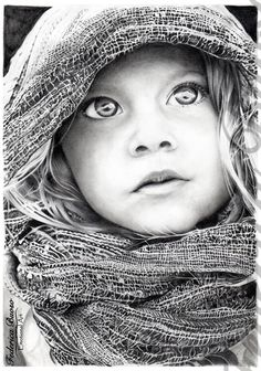 """""""Nuvole"""" - Matita su foglio A4 (12/2013) Questo disegno si chiama Nuvole perché è quello che questa bimba ha negli occhi, Fantasie, pensieri, speranze e sogni.... rappresentati dalla luce che le illumina il viso. Sinceramente nemmeno io so a cosa stia pensando. La mente di un bambino è troppo grande e ci da una grande lezione. Fermiamoci anche noi ogni tanto per guardare le nuvole, forse apprezzeremo più quello che ci circonda e cominceremo di nuovo a sognare."""