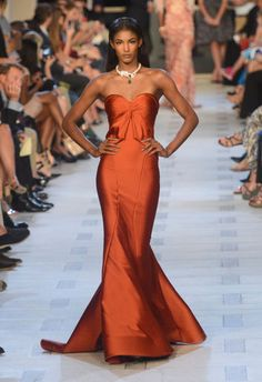 A model walks the runway at the Zac Posen Spring 2013 fashion show during Mercedes-Benz Fashion Week at Avery Fisher Hall at Lincoln Center on September 2012 in New York City. Vestidos Color Naranja, Beautiful Gowns, Beautiful Outfits, Gorgeous Dress, Nicola Peltz, Evening Dresses, Prom Dresses, Jean Dresses, Ball Dresses