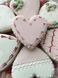 hand-decorated sugar cookies;cookies;wedding;table visual;cookies and milk;delicious dessert;fudges;muffins;pies;chocolate;chocolate milk Kinds Of Cookies, Fancy Cookies, Iced Cookies, Cookies Et Biscuits, Valentines Day Cookies, Valentine Heart, Heart Shaped Cookies, Heart Cookies, Sugar Cookie Royal Icing