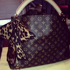 Women Fashion Style New Collection For Louis Vuitton Handbags, LV Bags to Have Louis Vuitton Artsy, Louis Vuitton Monogram, Louis Vuitton Handbags, Purses And Handbags, Tote Handbags, Handbags Online, Zapatos Louis Vuitton, Lv Bags, Vuitton Bag