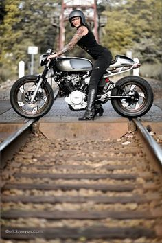 Yamaha Cafe Racer by Motorelic - Photos by Erick Runyon Photographs | www.caferacerpasion.com