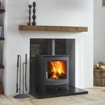 The Dik Geurts Ivar 5 Low is a contemporary and versatile stove. It has a classi…, – Freestanding fireplace wood burning Home Living Room, House, Home Fireplace, Living Room With Fireplace, Fireplace Hearth, Wood Burning Stoves Living Room, Modern Stoves, Pellet Stove, Wood Burning Fireplace