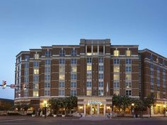 Alexandria (VA) Hilton Alexandria Old Town Hotel United States, North America Stop at Hilton Alexandria Old Town Hotel to discover the wonders of Alexandria (VA). Offering a variety of facilities and services, the hotel provides all you need for a good night's sleep. 24-hour front desk, facilities for disabled guests, express check-in/check-out, luggage storage, Wi-Fi in public areas are on the list of things guests can enjoy. Television LCD/plasma screen, air conditioning, he...