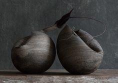 Satoshi NISHIKAWAhttp://the189.com/ceramics/flower-vases-by-satoshi-nishikawa/