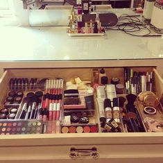DIY makeup organizer. This is what my draw should look like.. #makeuporganizerdrawer